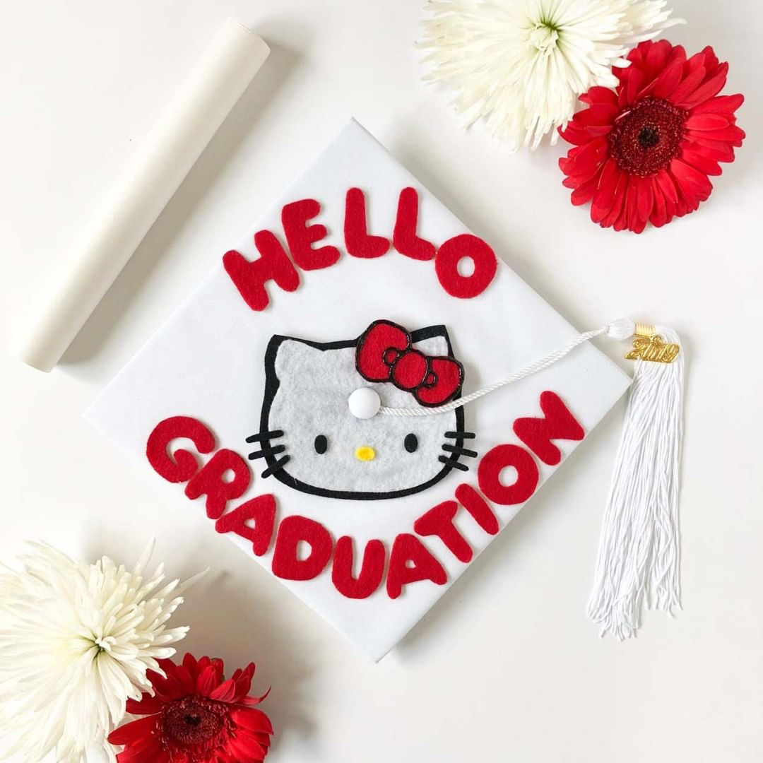 Cat Lover Aesthetic - Hello Kitty graduation cap